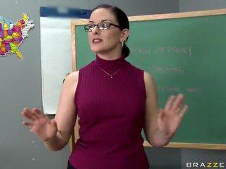 Tristyn kennedy fucks ein groß schwanz im die klassenzimmer video
