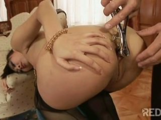 Sharon Lee gets her ass stretched out