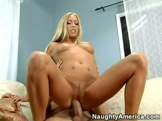 Bitchy Blondie Cassie Young Always Enjoyed Her Man's Jizz On Her Mouth
