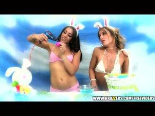 Big-booty slut bunnies nasty threesome