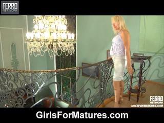 lesbische seks thumbnail, porno meisje en mannen in bed scène, porn in and out action film