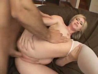 Palatable miúda naomi cruise receives um perfeita ejaculação em dela boca