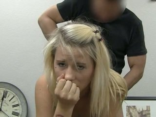 Ania taking facial jet de sperma