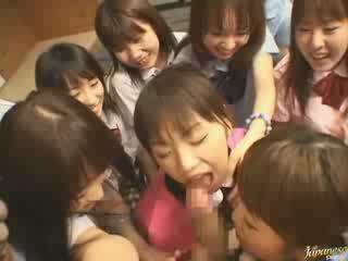 jepun percuma, kanak-kanak perempuan menonton, jiran apa-apa