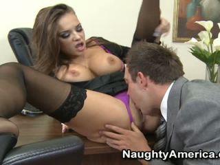 Nika noir sensuous γραμματέας γαμήσι με αυτήν chief
