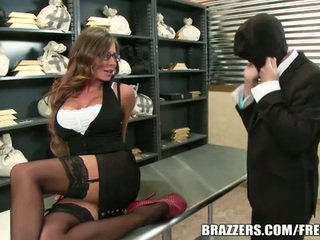 Madison ivy gets banged โดย a thief