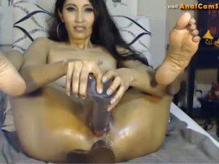 Asia babe mai linn loves anal