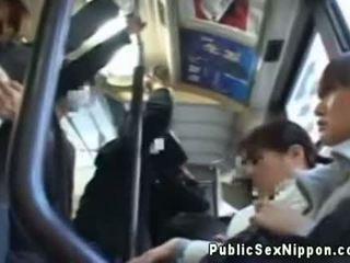 Publicsex אסייתי fingered ב the אוטובוס