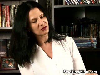 roken mov, heet video, hq grote tieten scène
