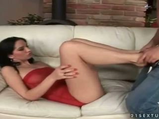 Leggy beauty Leanna Sweet enjoys hot footsex