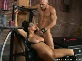 Brazzers - Horny mommy will do anything for a big.