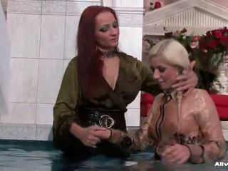 Wetlook paramours тримати він carnal