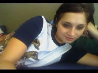 Elle adore se montrer en webcam