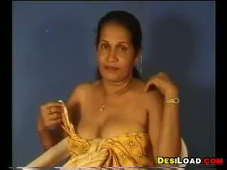 Hinduskie aunty pokaz od jej cycki