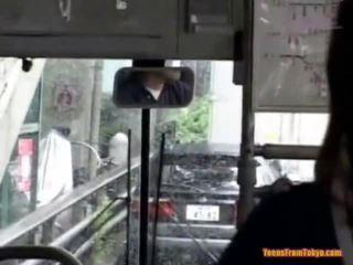 Відтрахана на the публічний автобус