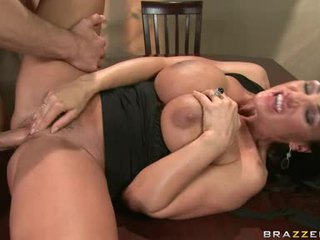 Lisa Ann Let Man Push His Hard On Inside This Chabr Pussy