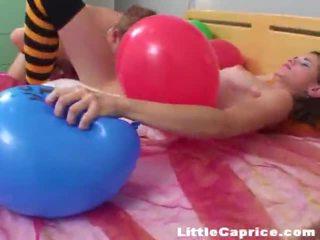 Zeit für die ballon popping um böse wenig caprice!