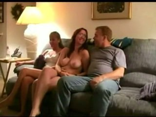 brünette groß, oral sex sie, heißesten gruppen-sex überprüfen