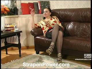 strap-on, vol strap on bitches tube, kwaliteit vrouwelijke dominantie thumbnail