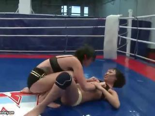een brunette thumbnail, u lesbisch film, hq lesbische strijd mov