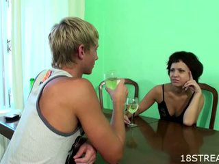 18 Stream: Drunk teens screwing on the table