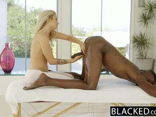 Blacked krásný blondýnka karla kush loves massaging bbc