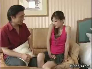 Yume imano romantiek in een hotel kamer gratis part5