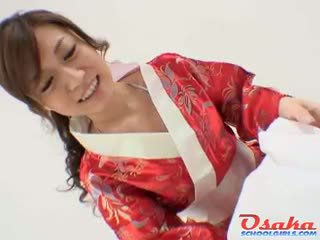 Geisha gives une royal pipe