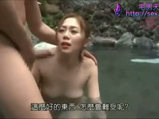 Tempting Asian honey gets nailed outside in a pool
