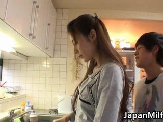 Anri suzuki japānieši beauty engulfing
