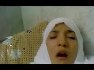 Ondeugend egyptisch babe takes groot boner in haar slit pov