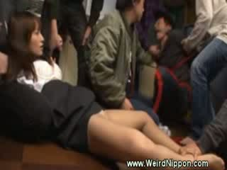 Japans meisje manhandled