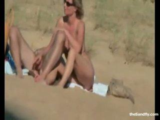 Publiek openlucht seks bij de strand