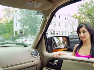 Mandy fills ji passenger stran muca