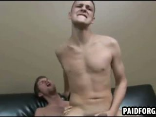 Acestea two sexy amateru studs are having anal