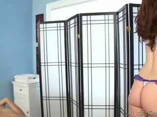 Melody uses en vibratorn giving kimberly gates en djupt gnugga