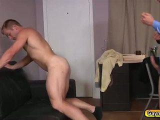 The recruiter sugand penis și anal la dracu