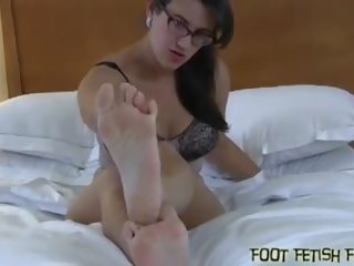 hard, vol voet fetish, femdom