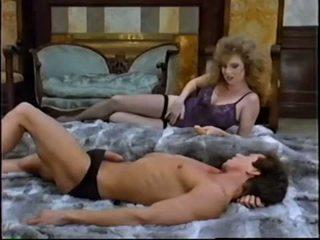 brunette actie, meer orale seks vid, heet speelgoed film