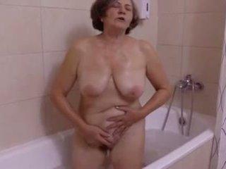 Une belle presenečenje au salle de bain s clessemperor