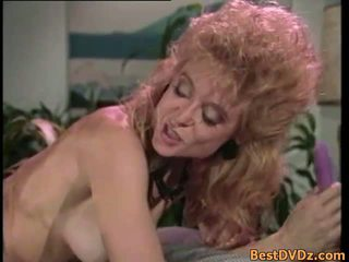 復古 女同志 licking 他們的 緊 puss