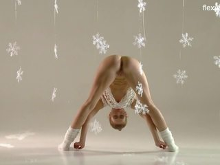 Christmas Themed Gymnastics by Sexy Ass Svetik: HD Porn b4