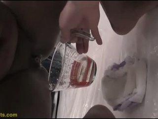 Barbie drinks piss -től neki pelenka