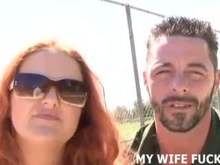 見る あなたの 妻 吸い a stranger's 巨大な コック