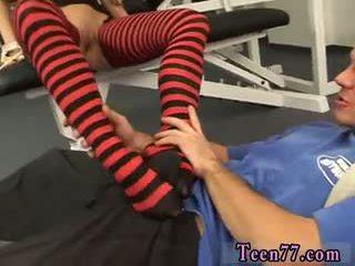 brunette porno, kwaliteit pijpbeurt film, voet fetish film