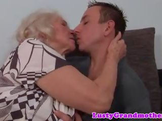 nieuw grote borsten scène, grannies vid, ideaal matures thumbnail