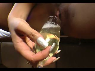 Piss Champagne: Free Pussy HD Porn Video 04