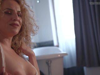 männlichen geben female oral sex