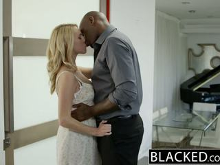 Blacked ร้อน บลอนด์ หญิง cadenca lux pays ปิด boyfriends debt โดย ร่วมเพศ bbc