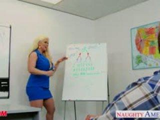 Blondynka mama alura jenson pieprzyć a duży shaft
